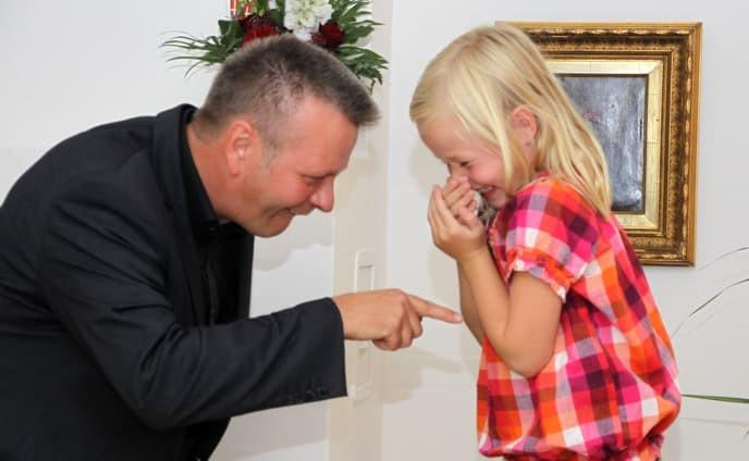 tryllerkunstner til børnefødselsdag